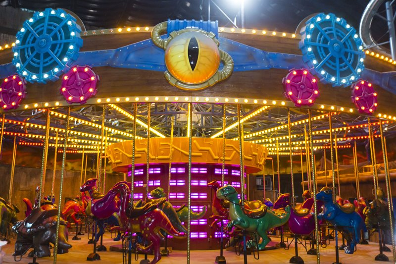 IMG Worlds Of Adventure Dino Carousel - IMG Worlds of Adventure 全球最大室内主题乐园