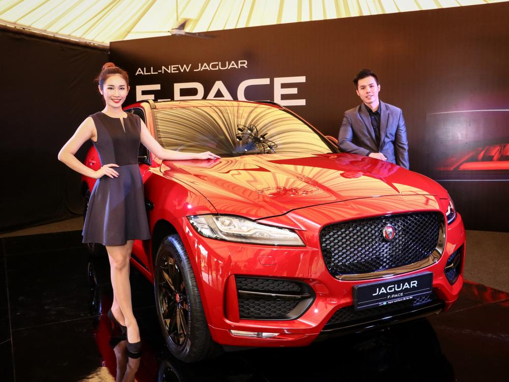 All New Jaguar F PACE R Sport - Jaguar F-Pace 拥有跑车基因的运动型车款!