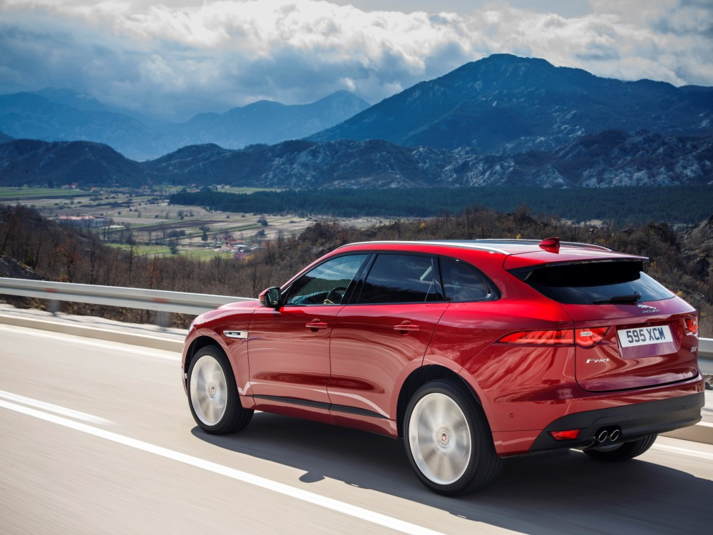All New Jaguar F PACE Side Rear - Jaguar F-Pace 拥有跑车基因的运动型车款!