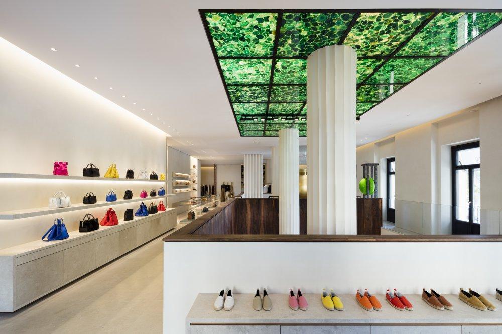 casa loewe madrid 8 - Madrid Casa Loewe 在时尚旗舰店细品艺术