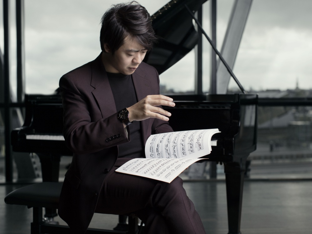 lang lang wearing the hublot classic fusion ceramic ultra thin lang lang 2 1 - Hublot and Lang Lang Collaboration on Innovative Watches