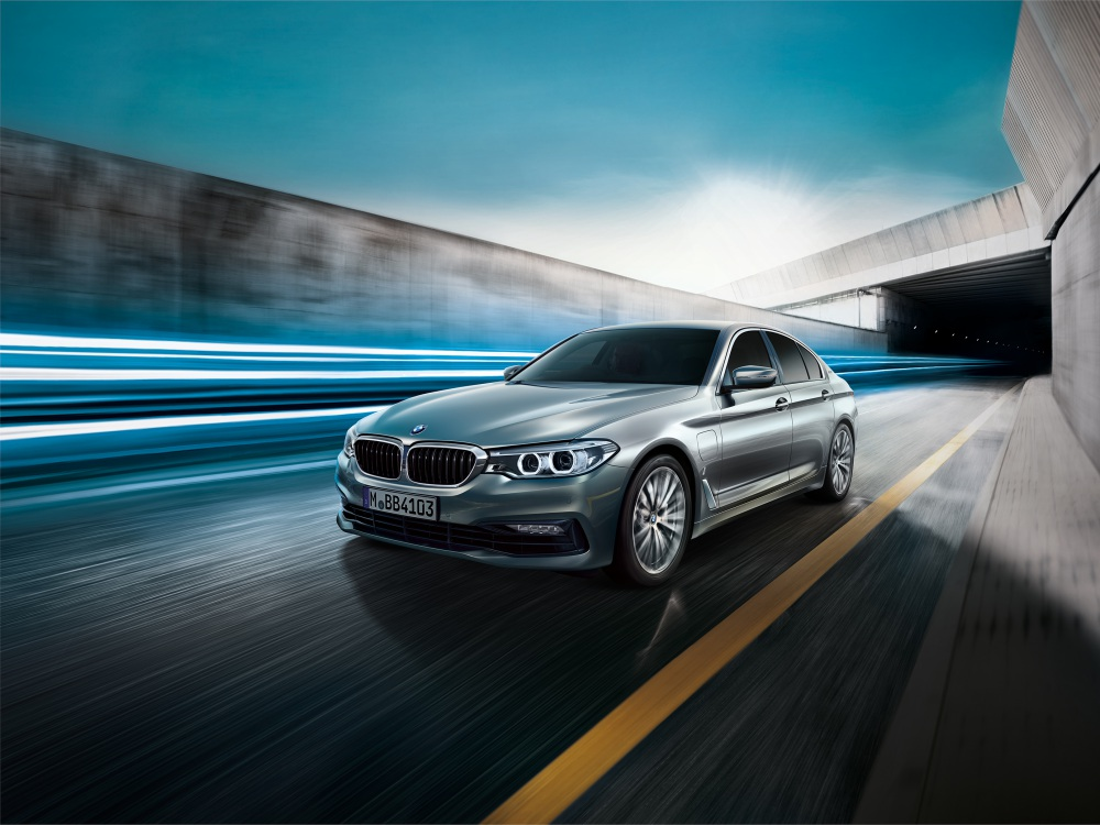 BMW 5 Series Hybrid with eDrive Technology BIG - BMW 5 Series 首款eDrive油电混合动力车!