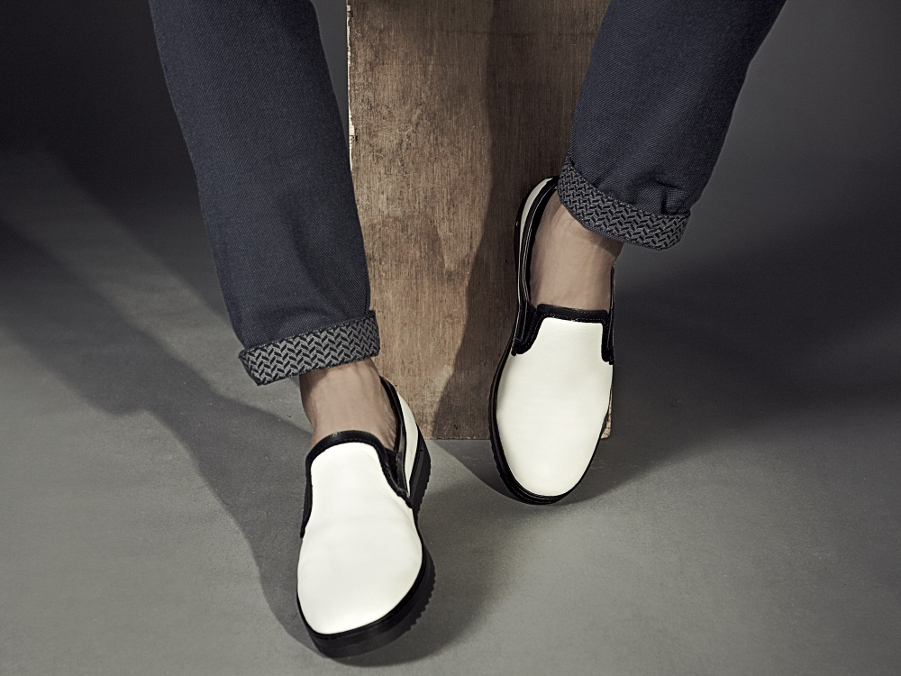 kingssleeve bonia fiqrie urban style white sneakers  - BONIA 时代型男的都会风尚!