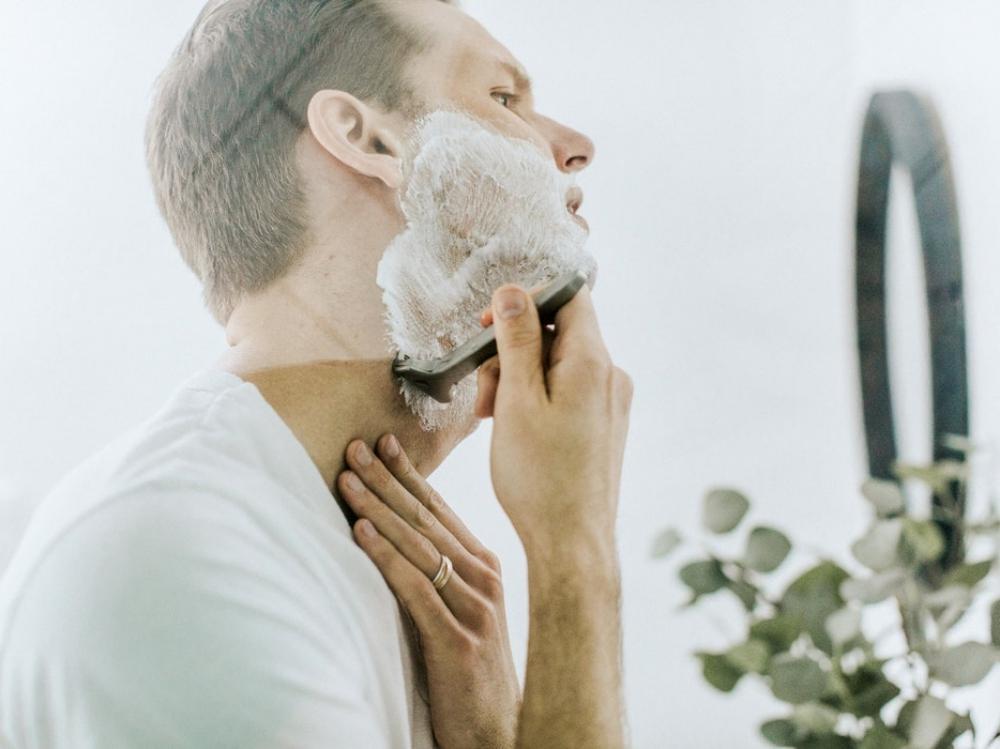 "men shaving products contain natural ingredients  - ""须""要呵护,优选剃须产品!"