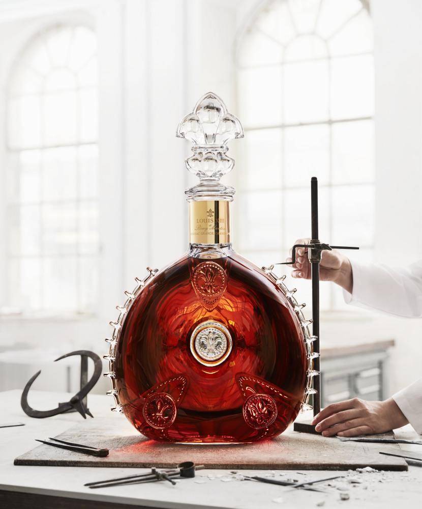 Louis XIII le Salmanazar 9 liter crystal decanter 1 - Louis XIII 独有的九公升水晶臻品