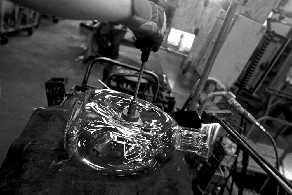 Louis XIII le Salmanazar 9 liter crystal decanter 2 - Louis XIII 独有的九公升水晶臻品