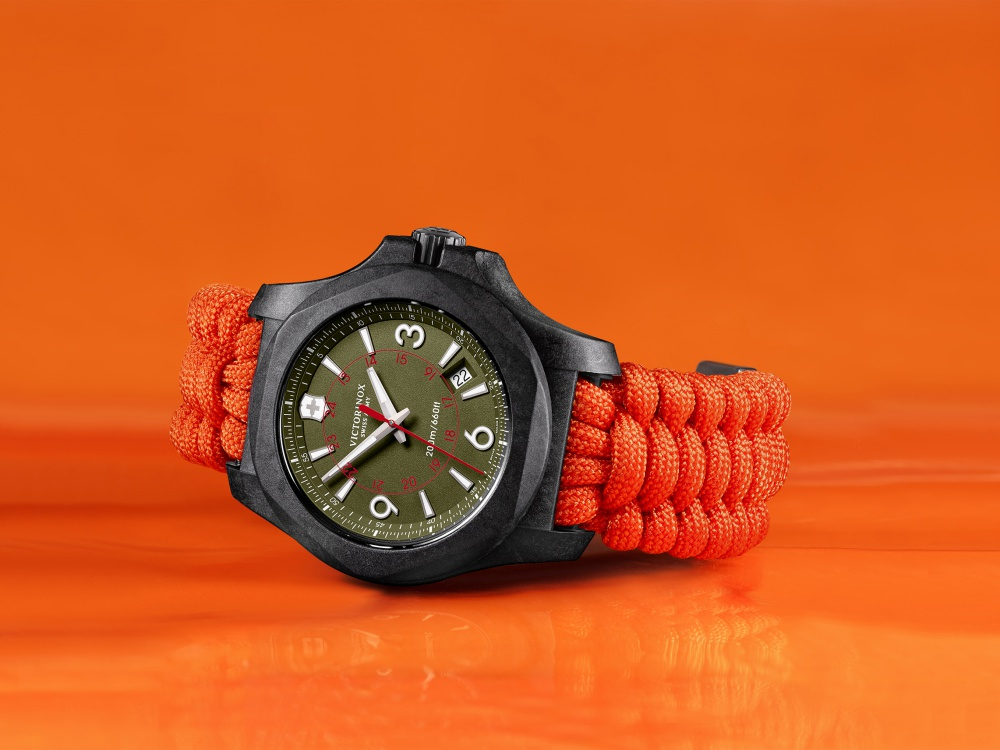 victorinox inox carbon limited edition orange strap watch 1 - I.N.O.X Carbon 加倍轻盈有耐力!