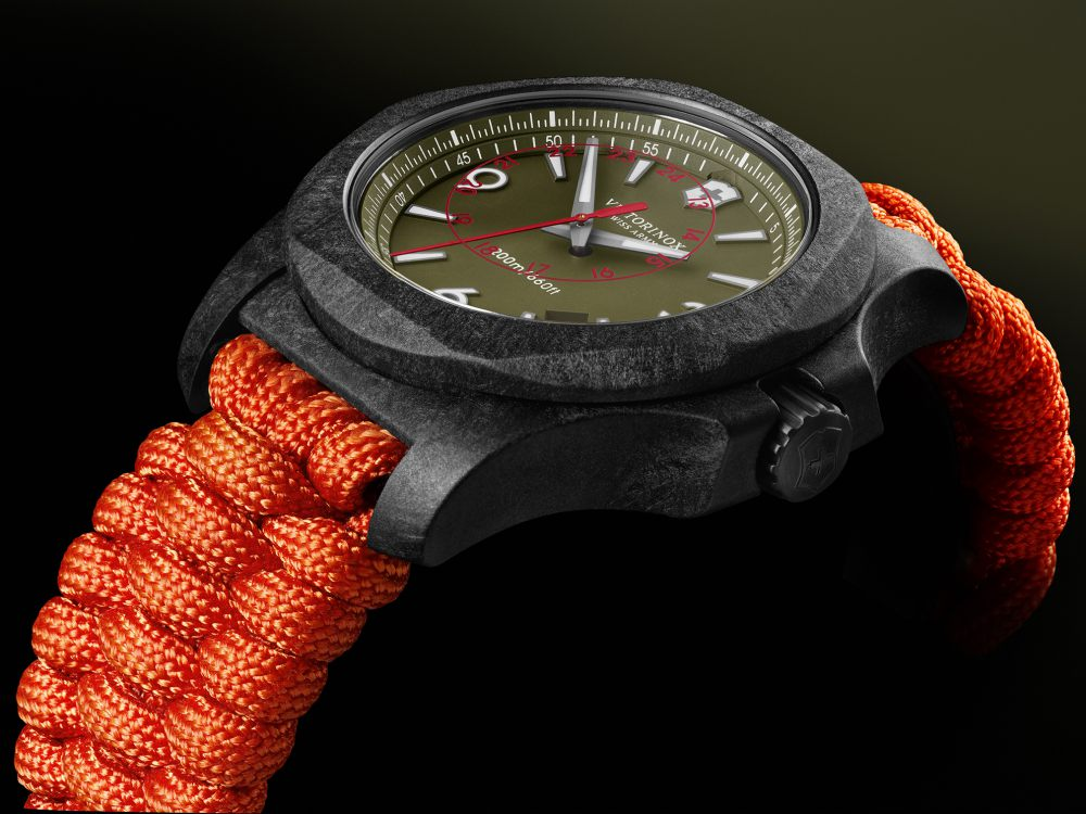 victorinox inox carbon limited edition orange strap watch 3 - I.N.O.X Carbon 加倍轻盈有耐力!