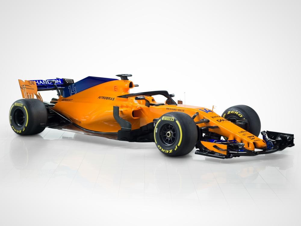 mclaren f1 orange mcl33 using akzonobel coating technology 1 - AkzoNobel 助 MCL33 回归标志象征!