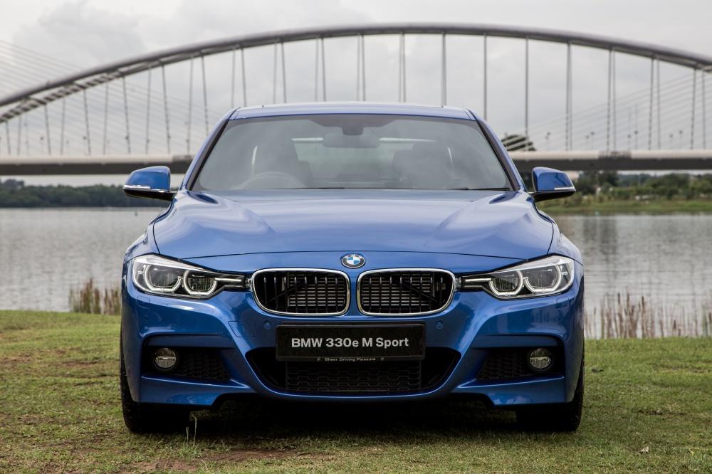 BMW 330e M Sport front - BMW iPerformance 混合动力 大势所趋