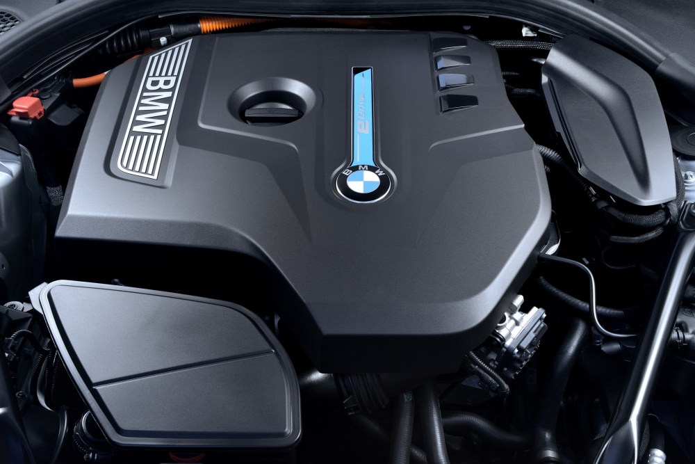BMW 530e Sport engine - BMW iPerformance 混合动力 大势所趋