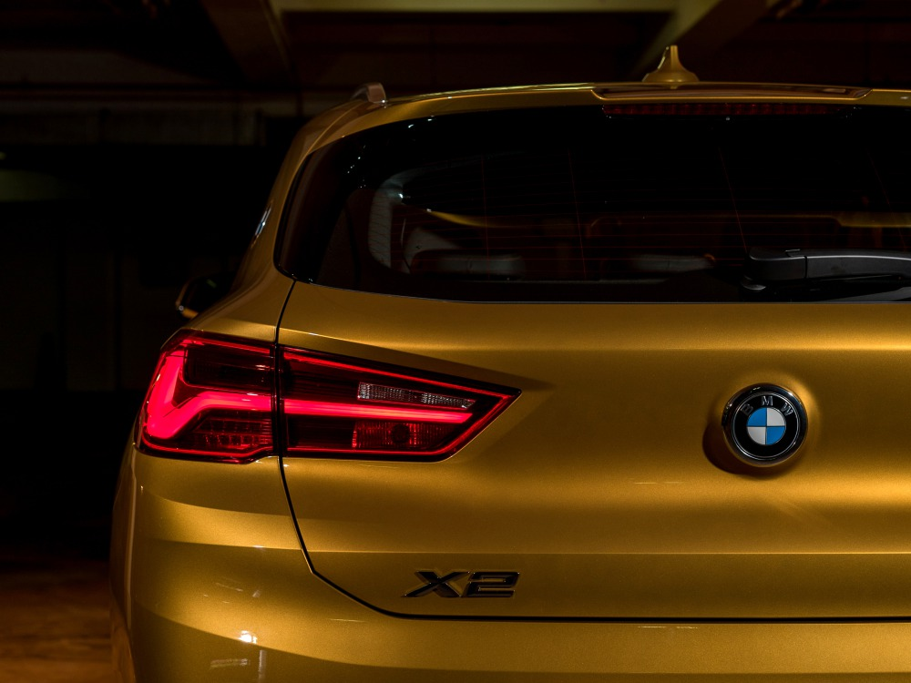 BMW first ever BMW X2 luxury car 10 - BMW X2 跑车风格的休旅车