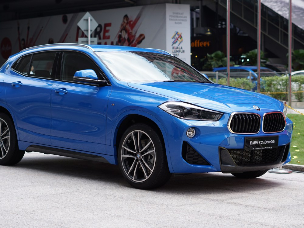 BMW first ever BMW X2 luxury car 4 - BMW X2 跑车风格的休旅车