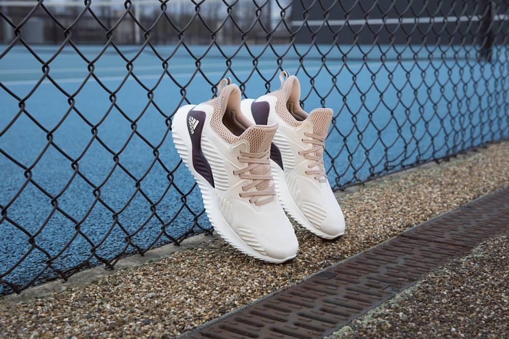 adidas AlphaBOUNCE beyond beside women - Adidas 推出新一代 AlphaBOUNCE Beyond