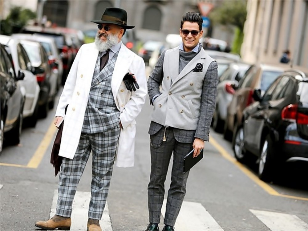 how to style a check blazer suit look street style 5 - 要跳脱刻板形象,为何不选择格纹西装?