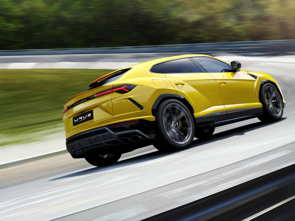 lamborghini urus luxury car 5 - Lamborghini Urus 超强休旅车,来势汹汹!