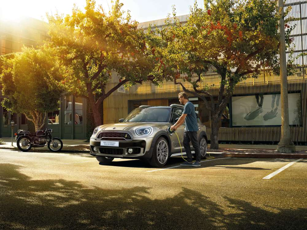 mini countryman plug in hybrid and mini cooper s countryman sports 11 - MINI Countryman 都会动感,酷帅出行!