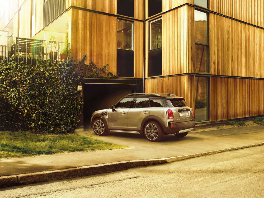 mini countryman plug in hybrid and mini cooper s countryman sports 12 - MINI Countryman 都会动感,酷帅出行!