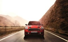 mini countryman plug in hybrid and mini cooper s countryman sports BIG 240x150 - MINI Countryman 都会动感,酷帅出行!