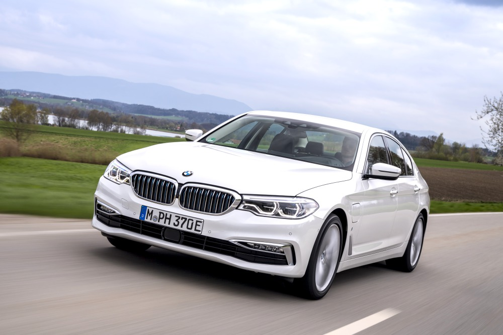 the future car hybrid electric car BMW 5 Series Hybrid with eDrive Technology 1 - 5款未来汽车,电动豪车新趋势!