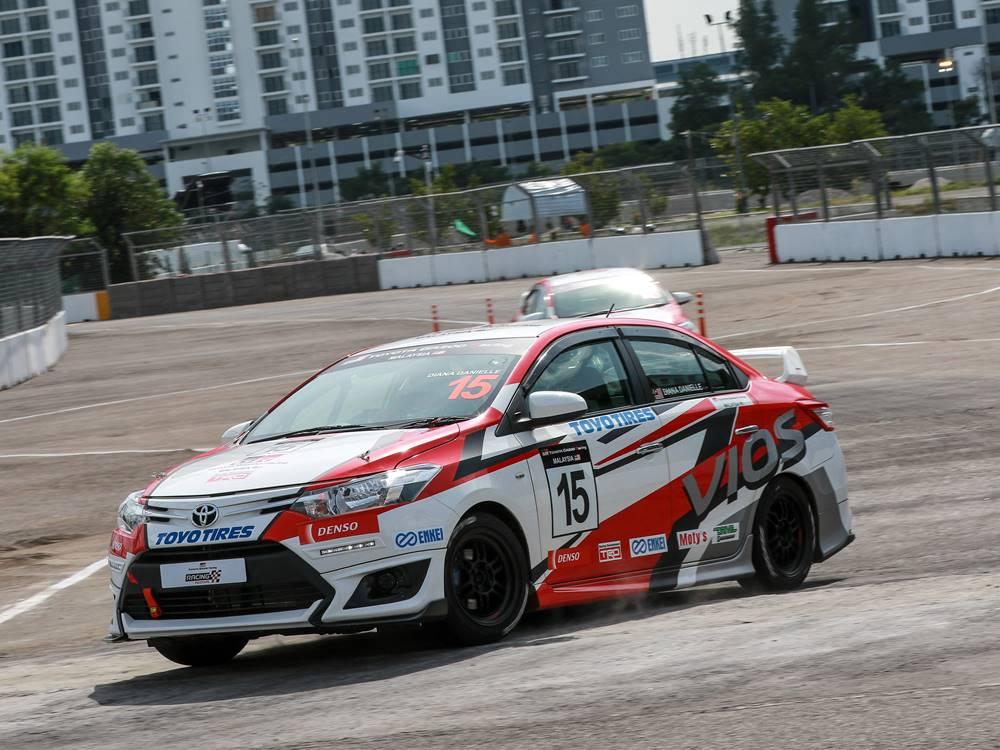 toyota gazoo racing vios challenge cover - Toyota Gazoo Racing 极速挑战!