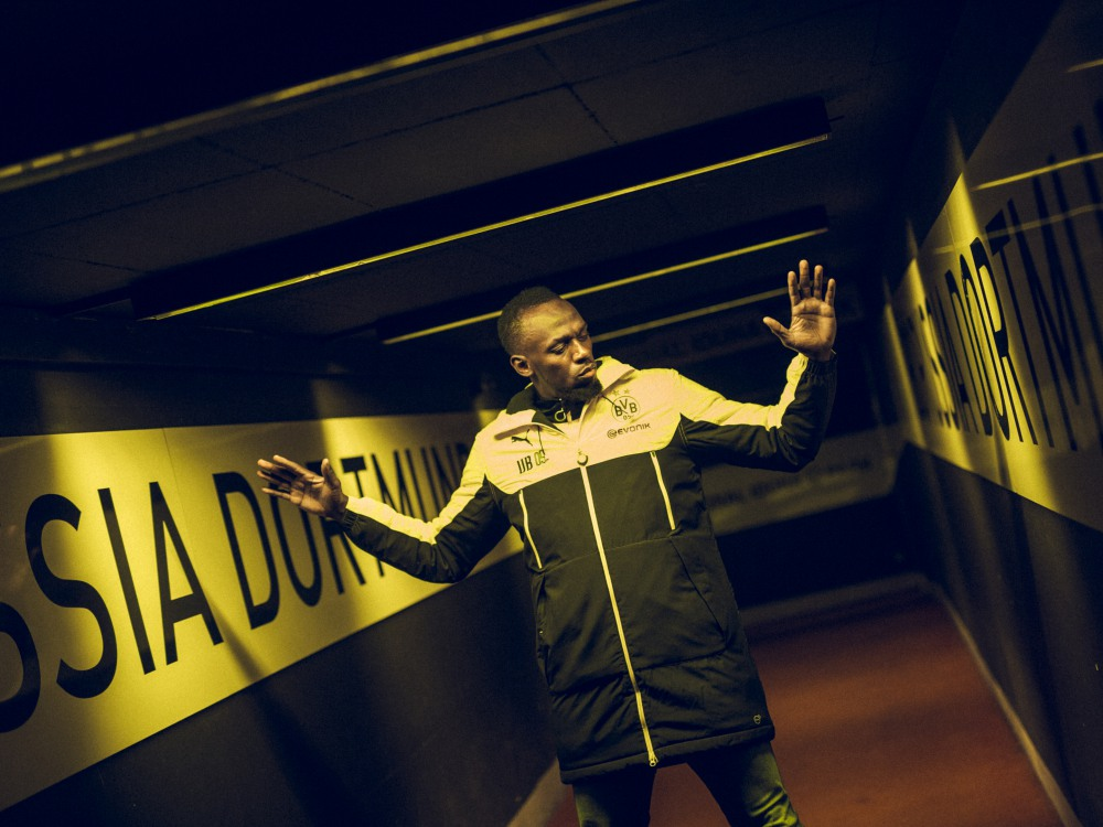 usain bolt training with borussia dortmund BIG - Usain Bolt 短跑飞人转换足球跑道!