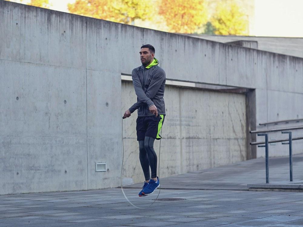 10 jump rope exercises men workout 3 - 10招简易的跳绳动作,有效燃烧脂肪