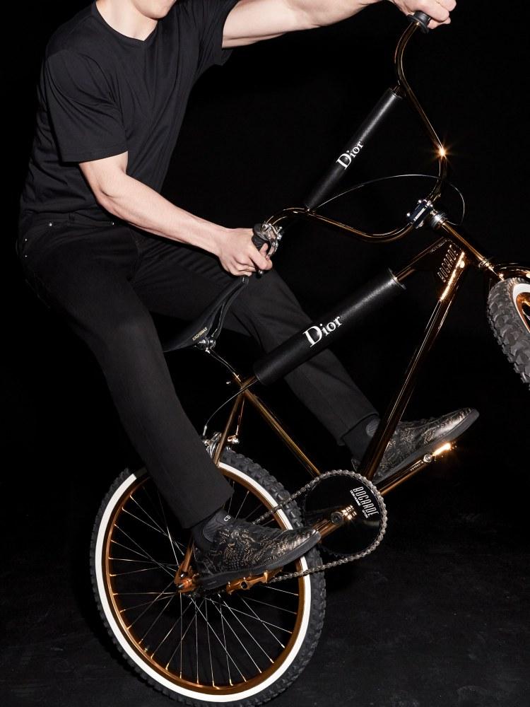 dior homme bmx bogarde 1 - BMX遇上Dior Homme之后的华丽姿态!
