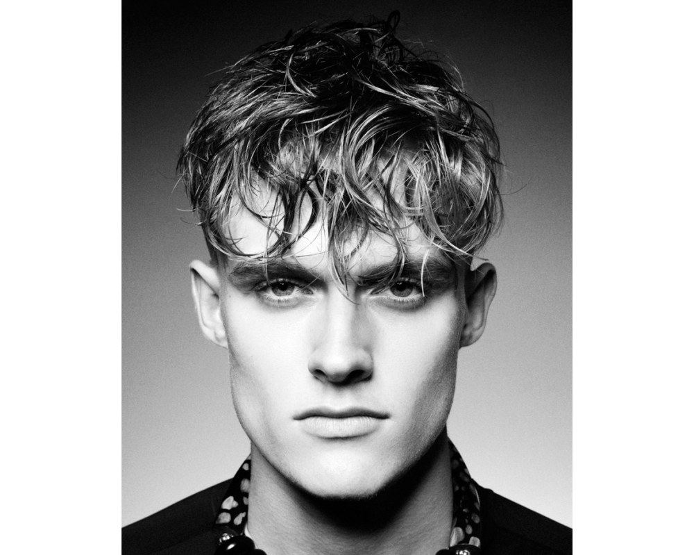men hairstyle long and wet fringe  - 4款时尚又减龄的浏海造型!