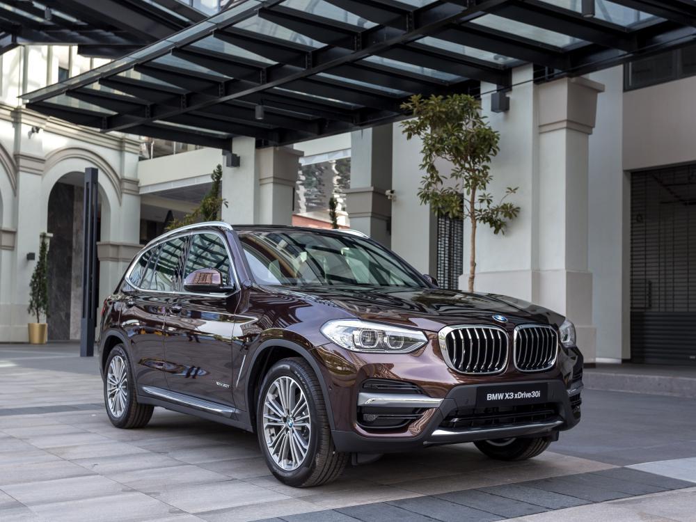 the all new BMW X3 xDrive30i car 1 - BMW X3 奢华动感轻休旅