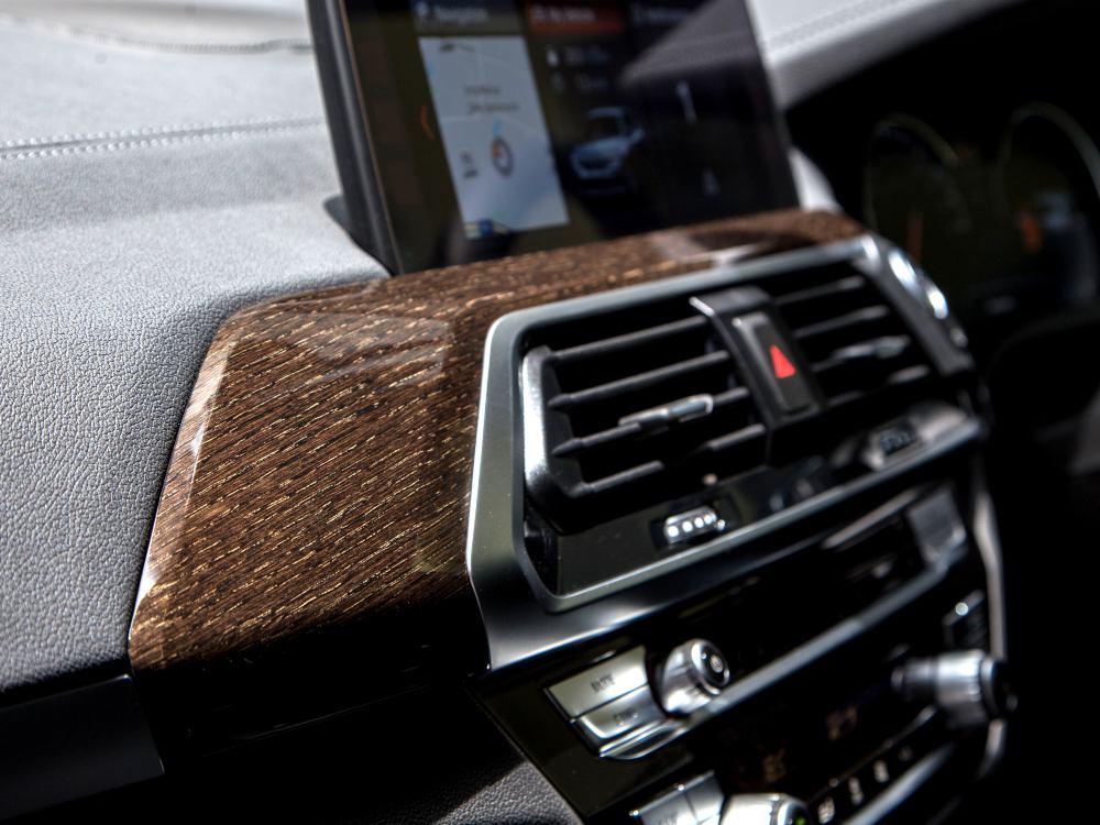 the all new BMW X3 xDrive30i car 11 - BMW X3 奢华动感轻休旅