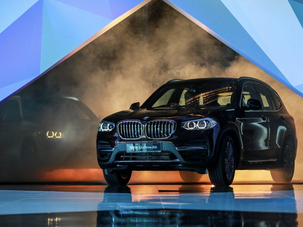 the all new BMW X3 xDrive30i car 13 - BMW X3 奢华动感轻休旅