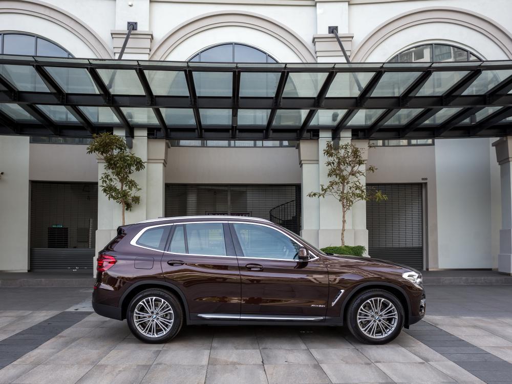 the all new BMW X3 xDrive30i car 2 - BMW X3 奢华动感轻休旅