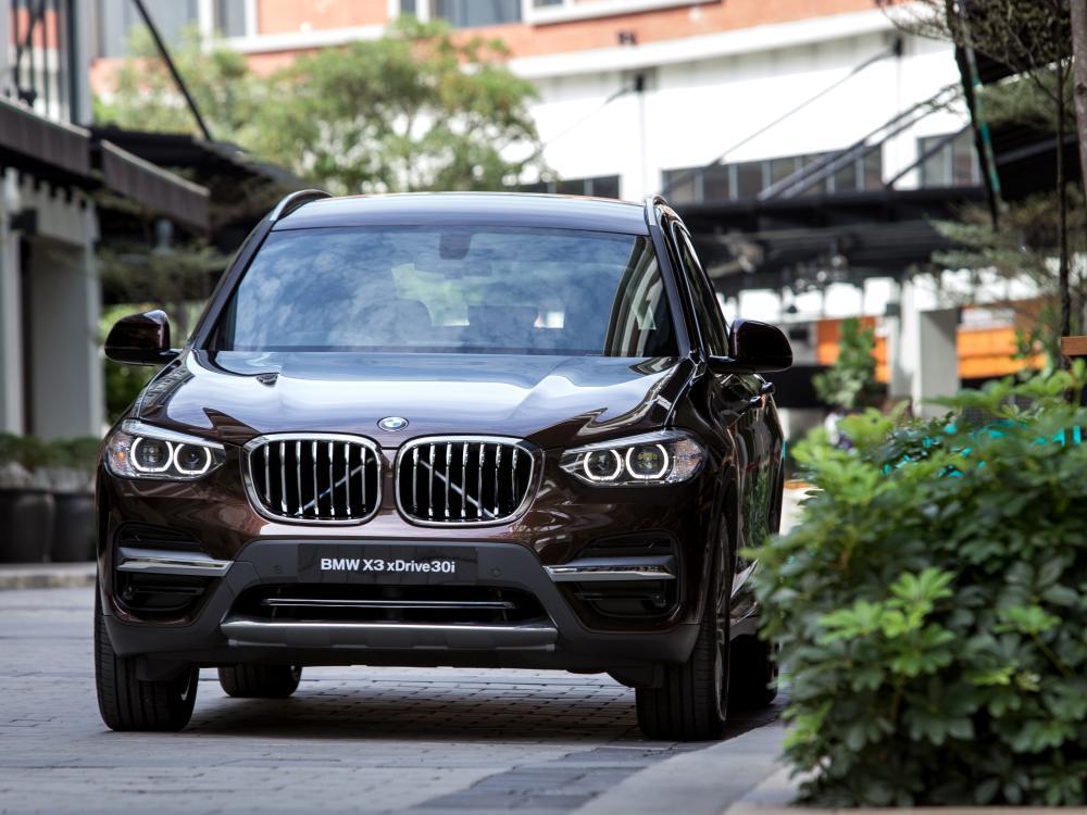 the all new BMW X3 xDrive30i car 3 - BMW X3 奢华动感轻休旅