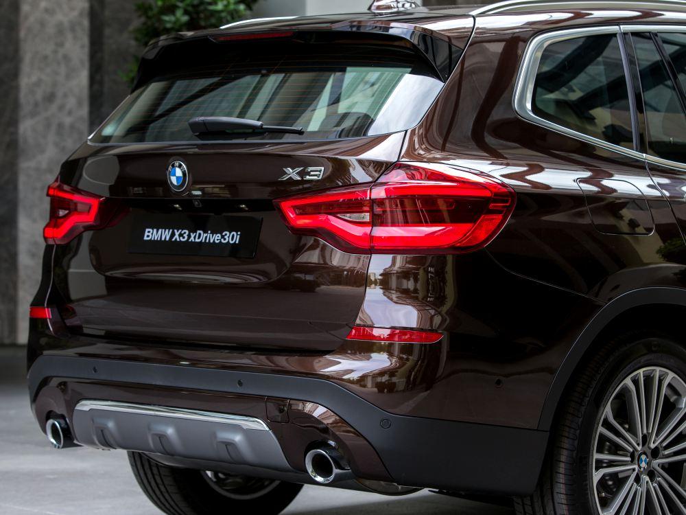 the all new BMW X3 xDrive30i car 4 - BMW X3 奢华动感轻休旅