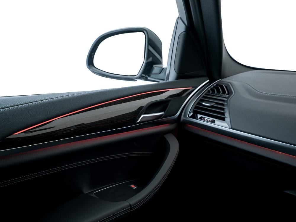 the all new BMW X3 xDrive30i car 8 - BMW X3 奢华动感轻休旅