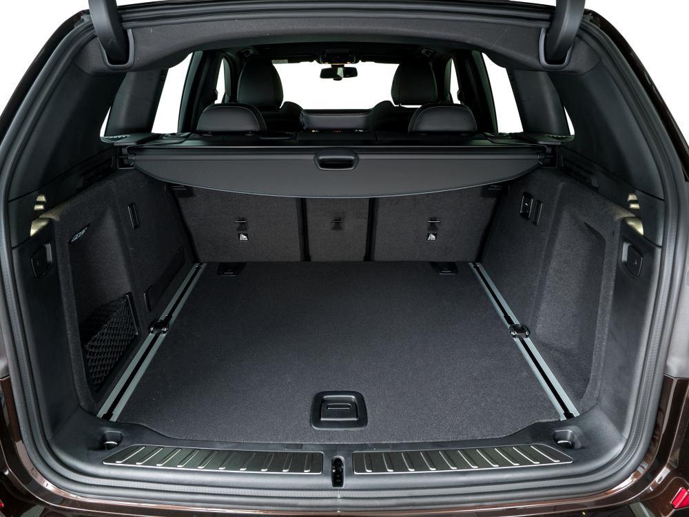 the all new BMW X3 xDrive30i car 9 - BMW X3 奢华动感轻休旅
