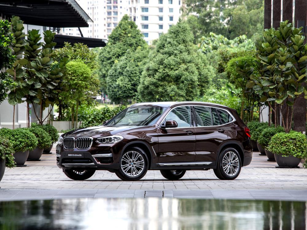 the all new BMW X3 xDrive30i car BIG - BMW X3 奢华动感轻休旅