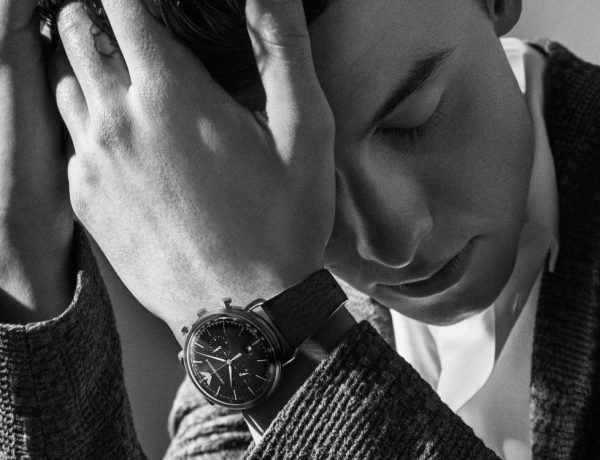 shawn mendes emporio armani watches adv campaign fall winter 2018 1 600x460 - Shawn Mendes 正式为 Emporio Armani 腕表系列代言!