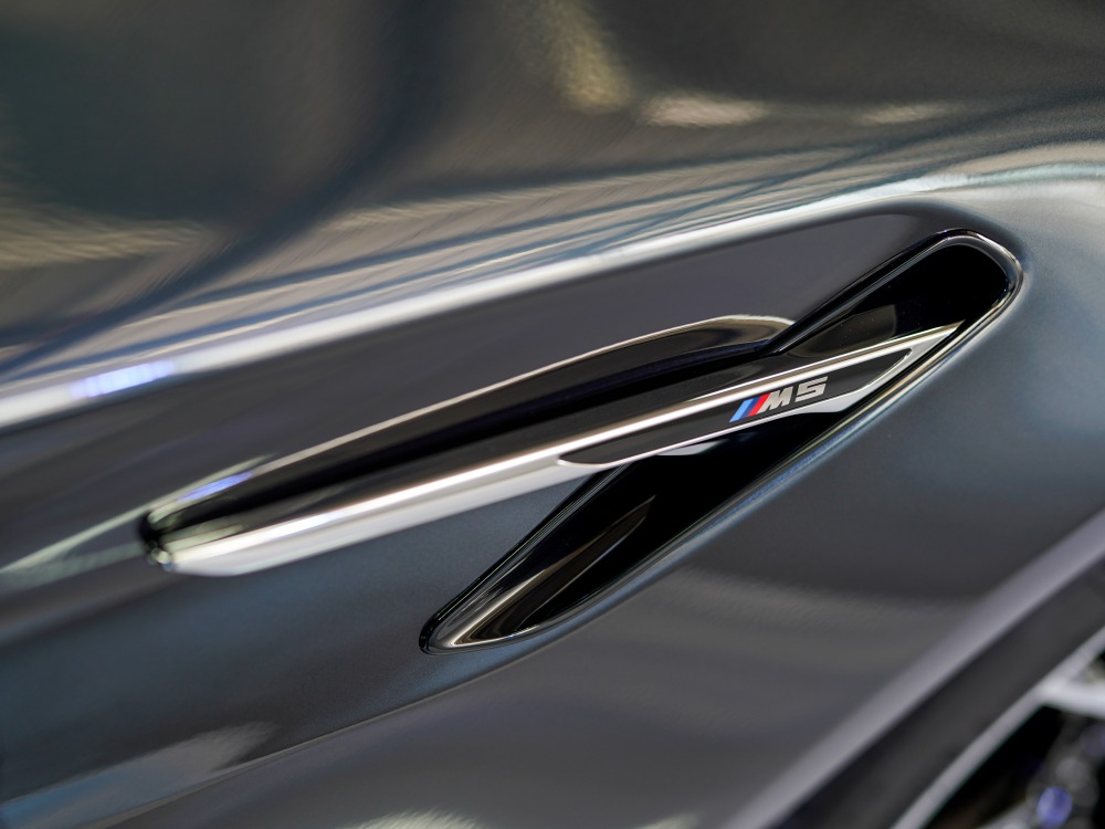 the-new-BMW-M5-car-launch-event 2 - KINGSSLEEVE