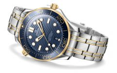 omega the seamaster diver 300m 2018 watch BIG 240x150 - James Bond之表25周年,Omega呈现精致水波纹设计!