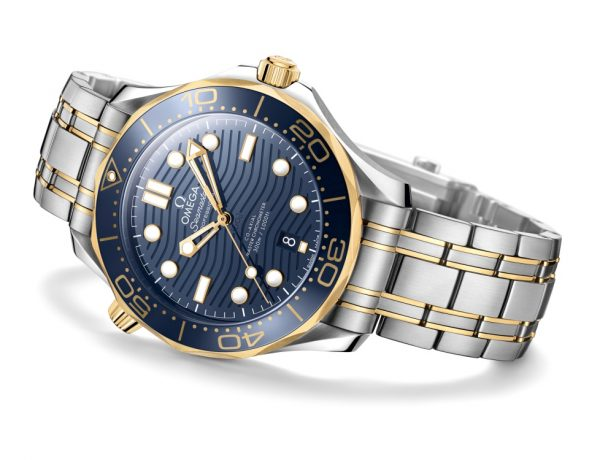 omega the seamaster diver 300m 2018 watch BIG 600x460 - James Bond之表25周年,Omega呈现精致水波纹设计!