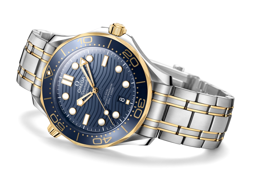 omega the seamaster diver 300m 2018 watch BIG - James Bond之表25周年,Omega呈现精致水波纹设计!