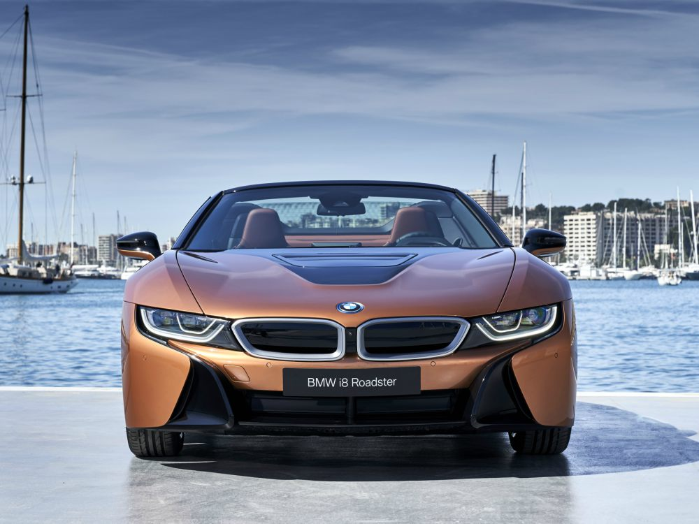 BMW i8 Roadster Exterior Front View - 新时代敞篷超跑 BMW i8 Roadster 火速进口