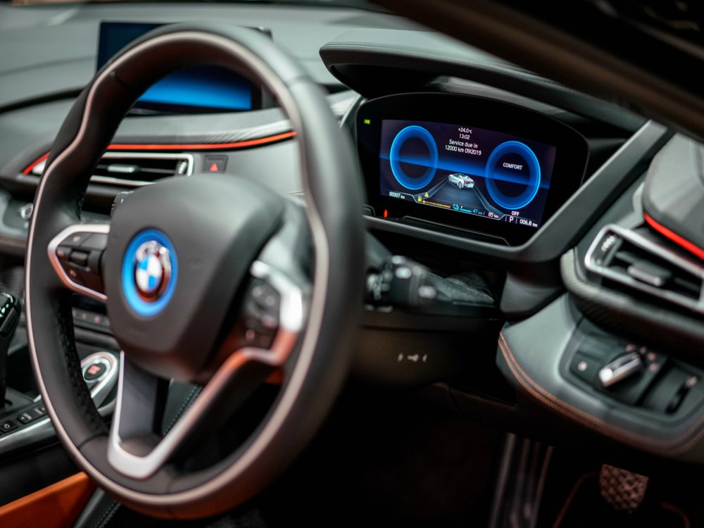 BMW i8 Roadster Interior Driver position - 新时代敞篷超跑 BMW i8 Roadster 火速进口