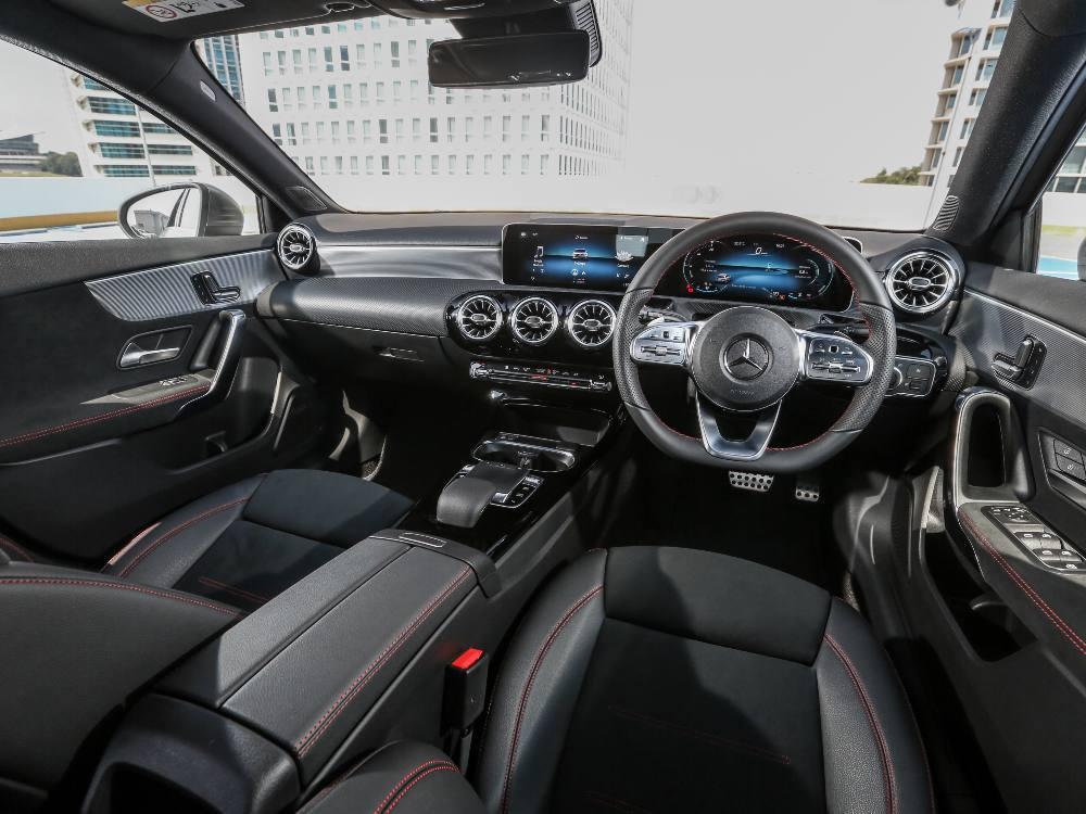 2nd Gen Mercedes Benz A Class Interior 2 1 - 大改款 Mercedes-Benz A-Class 入门新宠儿
