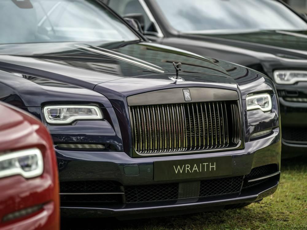 Front Rolls Royce Black Badge Wraith - 魅影三重奏:ROLLS ROYCE BLACK BADGE 首度大马亮相