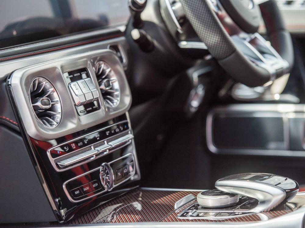 Interior Control Panel Mercedes Benz AMG G63 - 教父级的移动城堡:Mercedes-AMG G63