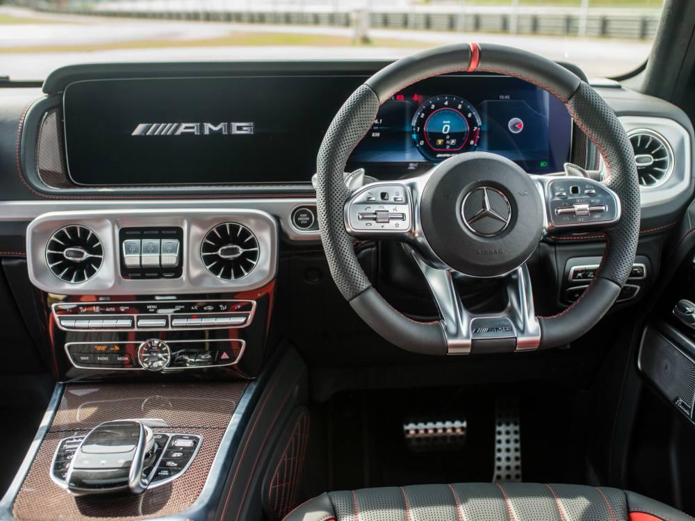 Interior Driver Dash Mercedes Benz AMG G63 - 教父级的移动城堡:Mercedes-AMG G63