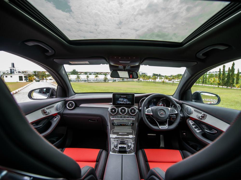 Mercedes Benz AMG GLC 63 interior - 教父级的移动城堡:Mercedes-AMG G63